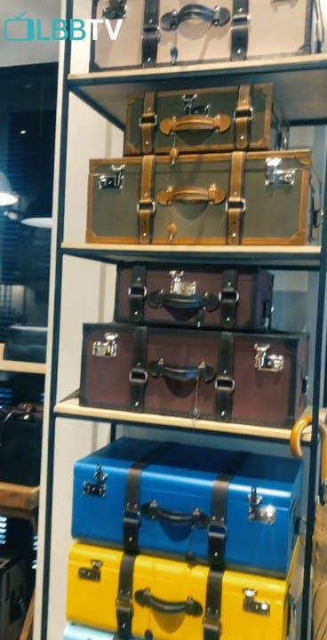 Baggage,Furniture,Suitcase,Machine,Metal,Luggage and bags