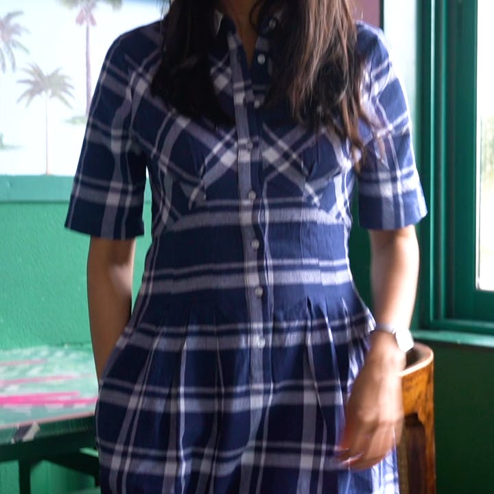 Plaid,Tartan,Clothing,Pattern,Shoulder,Design,Textile,Waist,Fashion,Sleeve