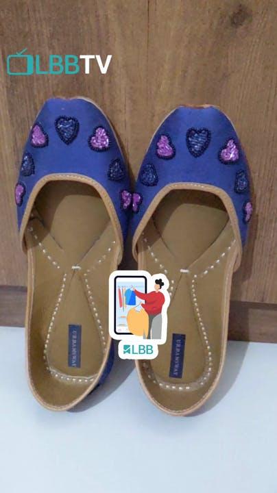 Footwear,Slipper,Shoe,Purple,Material property,Electric blue,Sandal,Flip-flops