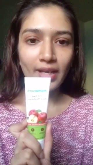 Face,Skin,Lip,Product,Nose,Head,Beauty,Cheek,Selfie,Brown hair