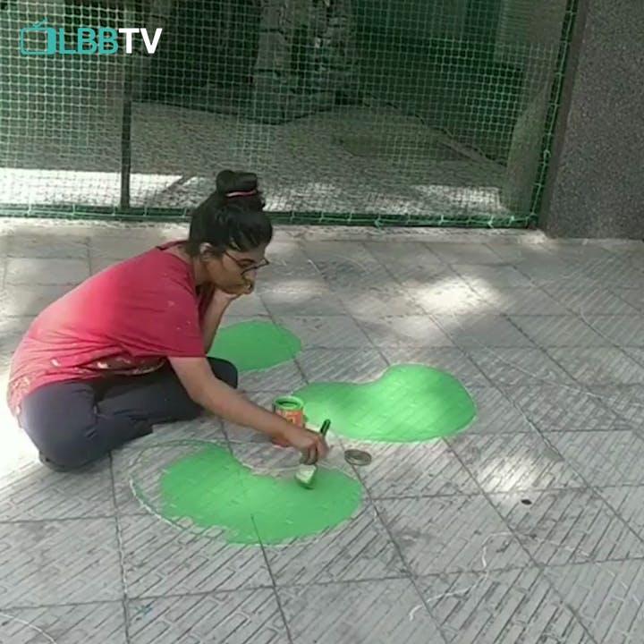 Green,Snapshot,Floor,Net,Flooring,Play,Tile,Grass,Concrete,Leisure