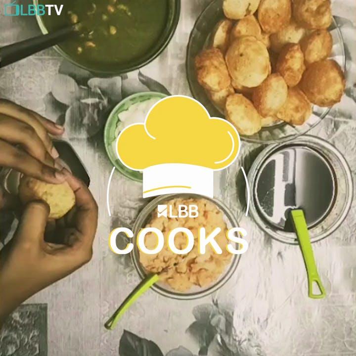 Food,Dish,Cuisine,Meal,Ingredient,Fried food,Pakora,Samosa,Produce,Pempek