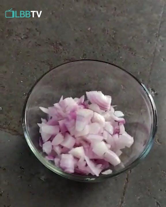 Try This Delish Bengan Bharta With Bhakri Recipe At Home