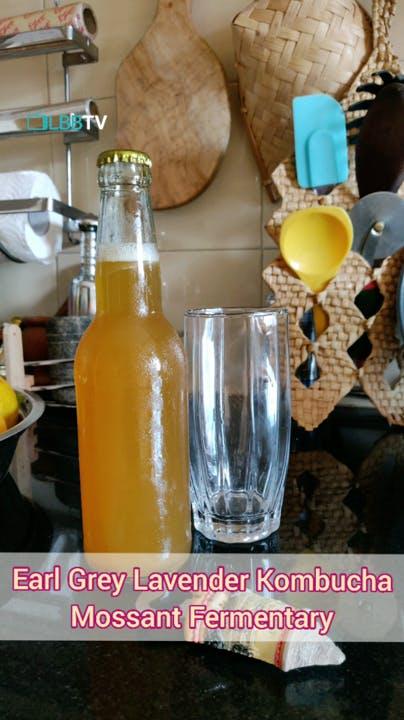 Drink,Glass bottle,Mimosa,Juice,Bottle,Agua de valencia,Kombucha,Lemonade,Soft drink,Orange drink